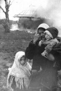 Женщина из убитой деревни (СССР, 1975)